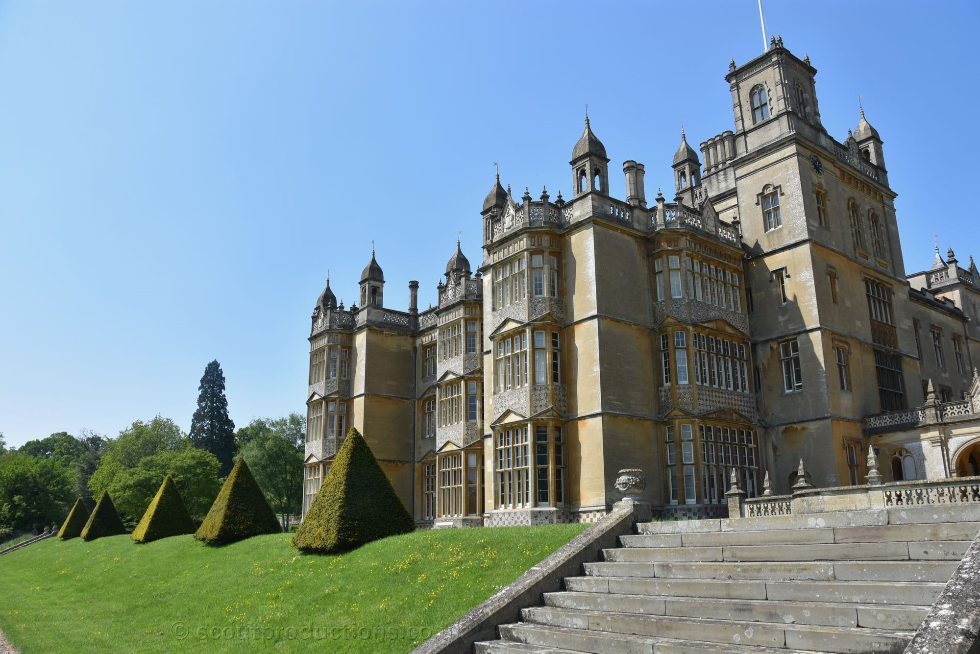 Stately Homes & Palaces